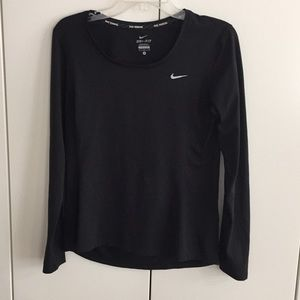 Nike long sleeved tee